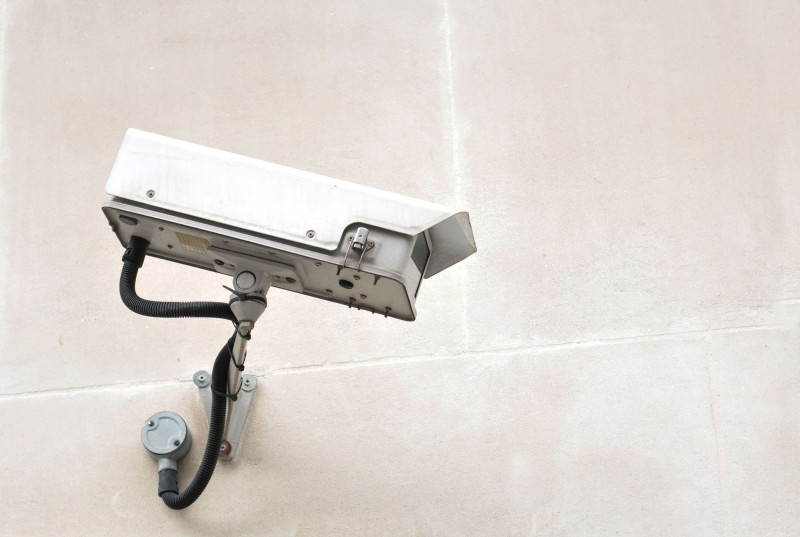 Pros and Cons of Using CCTV Cameras