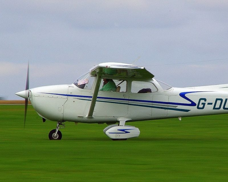 Want to Earn Your Pilot License? What You Should Do Before You Commit