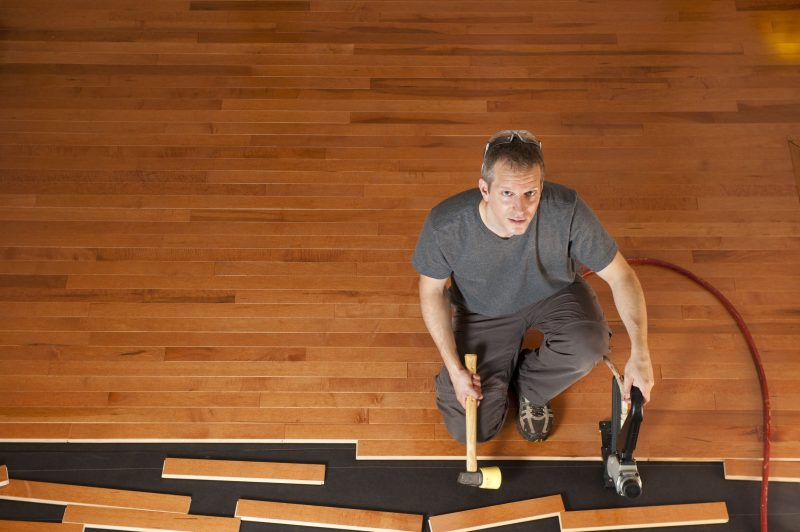 Why Oak Flooring is Ideal Material to Use for the Flooring in a Home